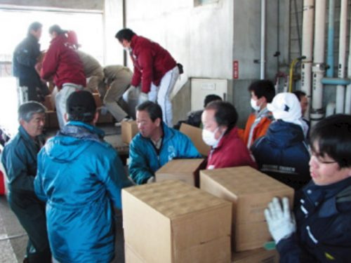 支援物資の搬入